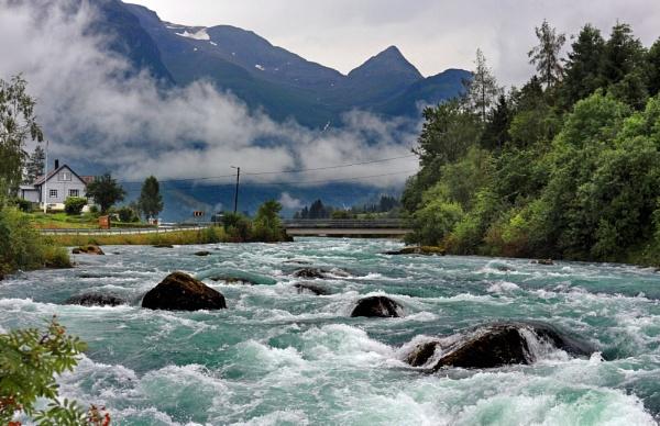 Oldeelva River, Norway by nanpantanman