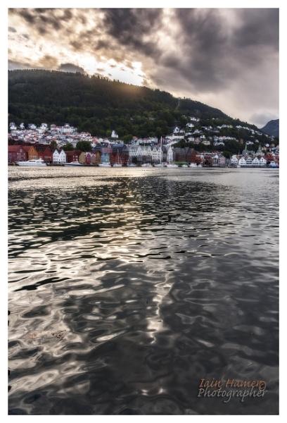 Bergen sunrise by IainHamer