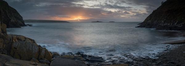 Porth Meudwy Sunrise by jasonrwl