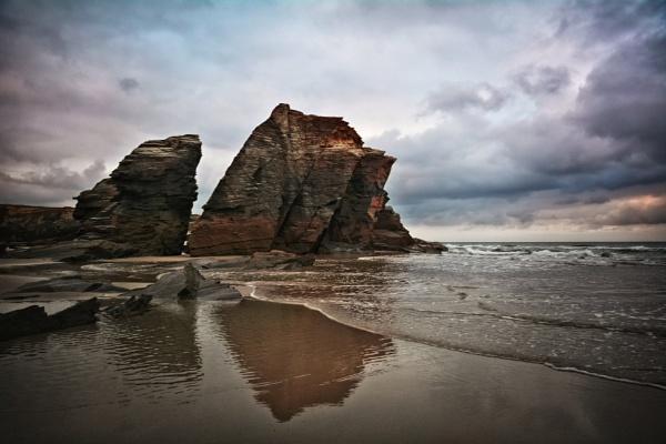 Beach of the Cantabrian Sea by MAK54