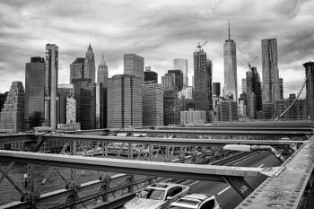 Crossing Brooklyn Bridge 4