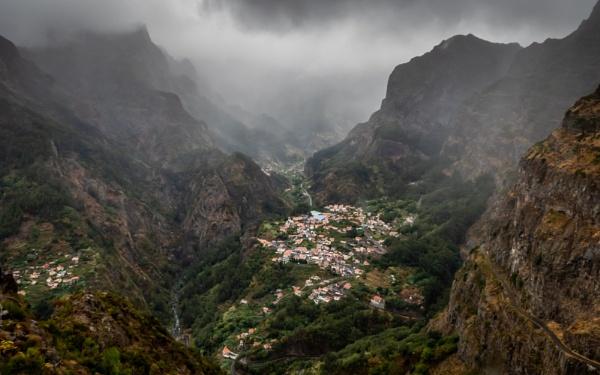 Nuns\' Valley by Jasper87