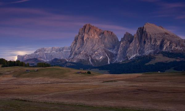 Moonrise on Sassolungo by prtd