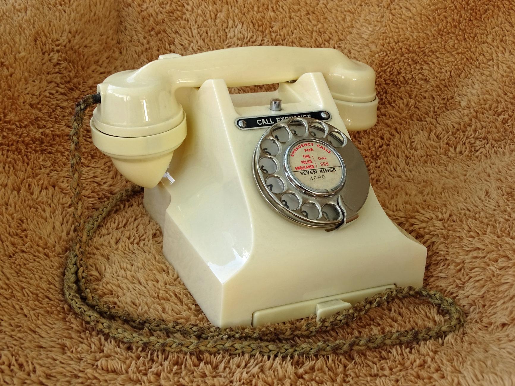 1950 300 series GPO Telephone