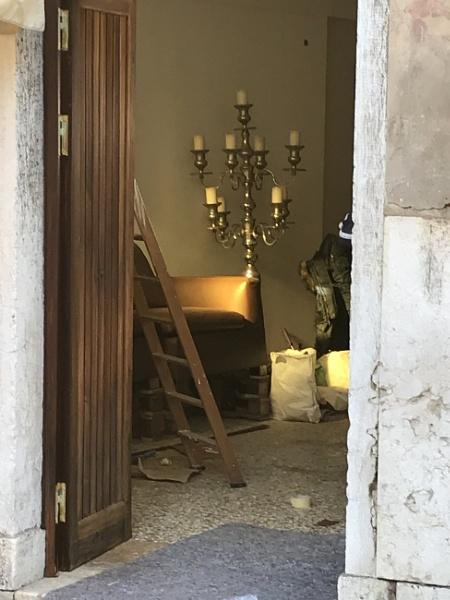 Door\'s open... by PeterAS