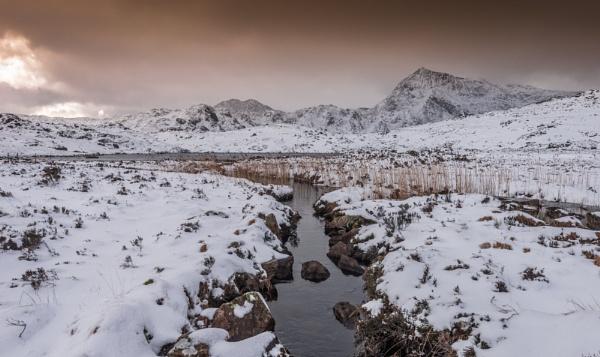 Winter skies by Barno123