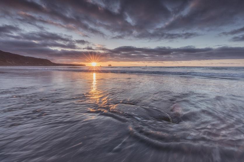 Sundown, Raphahoe Beach