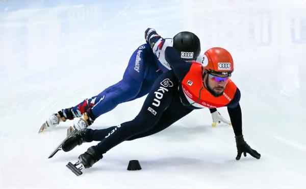 Short Track Speed Skating by goochian3