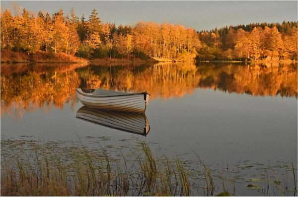 Late Sun, Loch Rusky by MalcolmM