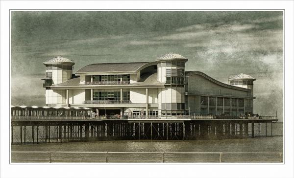 Weston-Super-Mare by Robert51