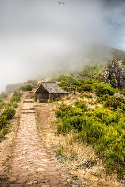 Pico Ruivo Path by DiazSprite