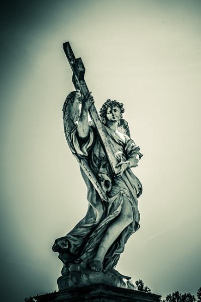 Statue on Sant'Angelo bridge