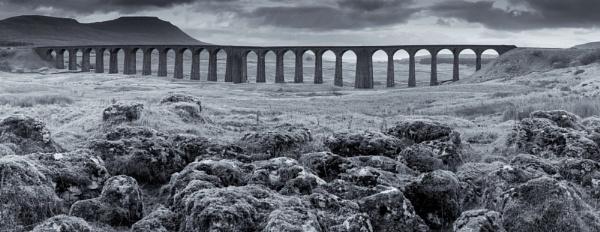 Ribblesdale Viaduct, B/W. by Alex64