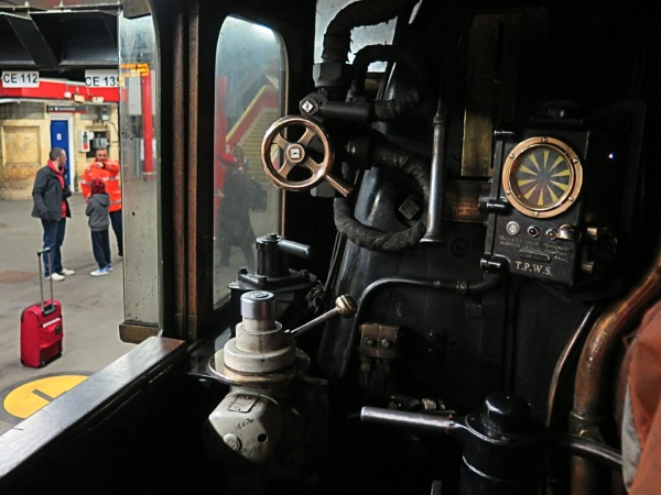 Footplate - The Flying Scotsman by Robal