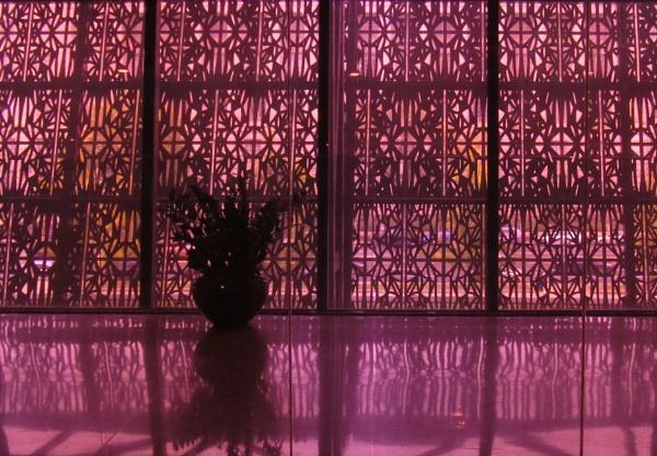 Smithsonian flowerpot by oldgreyheron