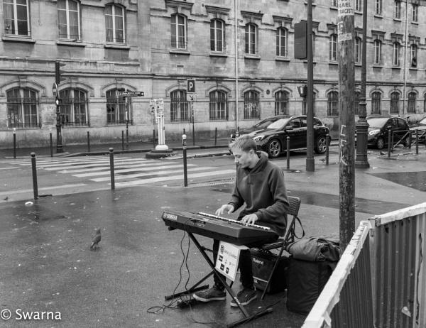 Lonesome pianist II ... by Swarnadip