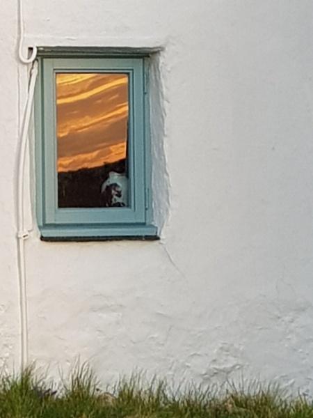 Reflection on the window by netta1234