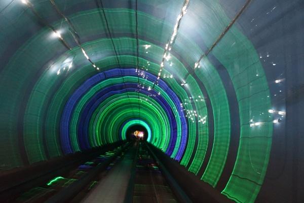 Tunnel Vision - Shanghai by kelpies