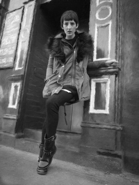 Pub doorstep portrait by happysnapperman