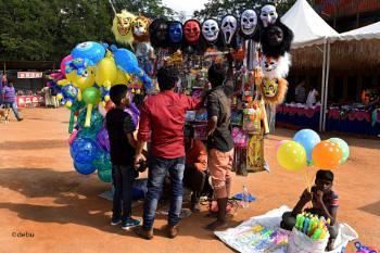Craft stall mask seller
