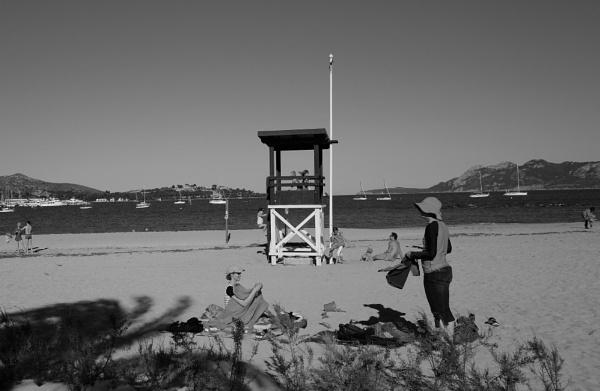 Beach life by Chriscox