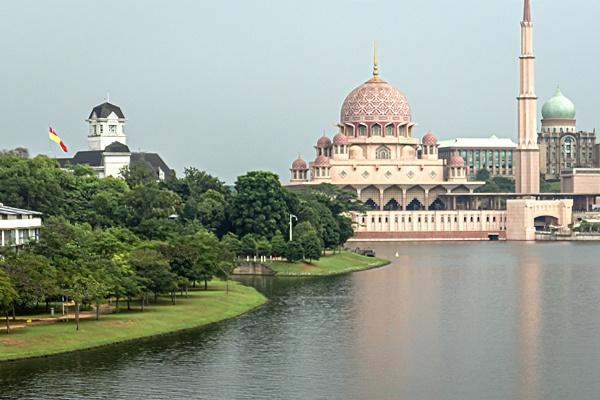 Kuala Lumpur, Malaysia by manicam