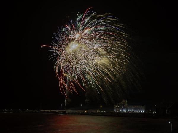 Folkestone Christmas Fireworks by doverpic