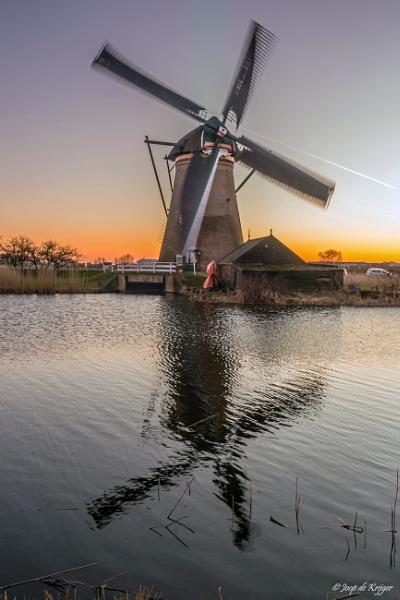 Mill at Kinderdijk by joop_