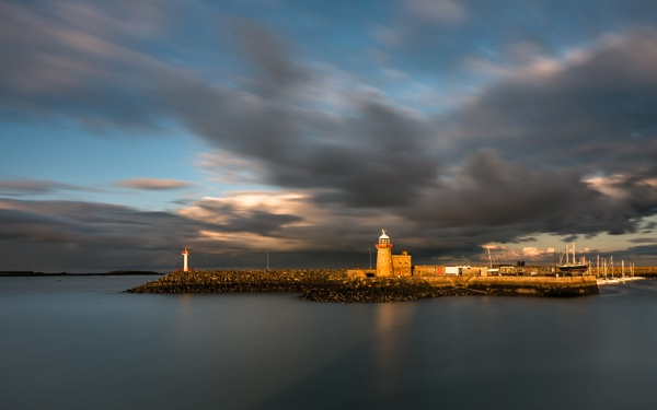 Howth Lighthouse by chowe328