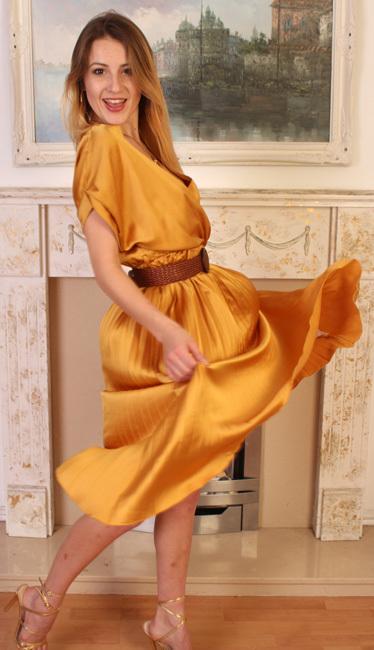 Scarlot Rose - in fashion.