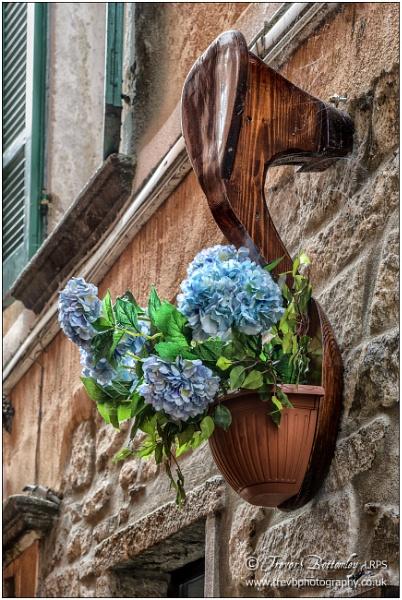 A very well-heeled shoebox by TrevBatWCC