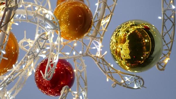 ItÂ's Christmas ! by blackgreyhound