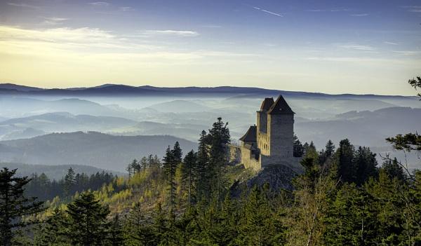 Castle Kasperk by pepino