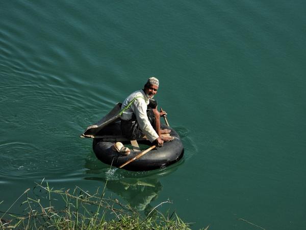 Desi boat , river crossing by gautamc