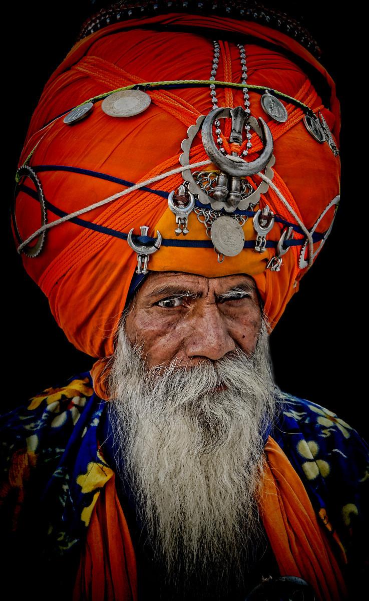 It ain't heavy, it's only my turban.........
