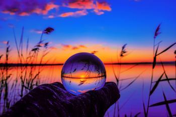 Lensball at the lake