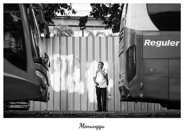 Menunggu by Von_Herman