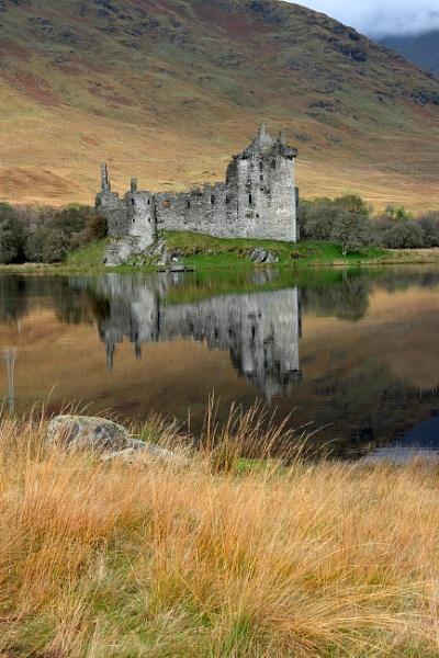 Kilchurn Castle Argyll. by fynephotography
