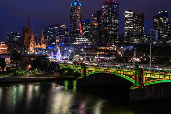 City lights by ColleenA
