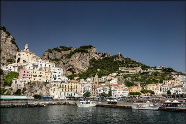Amalfi town by rickie