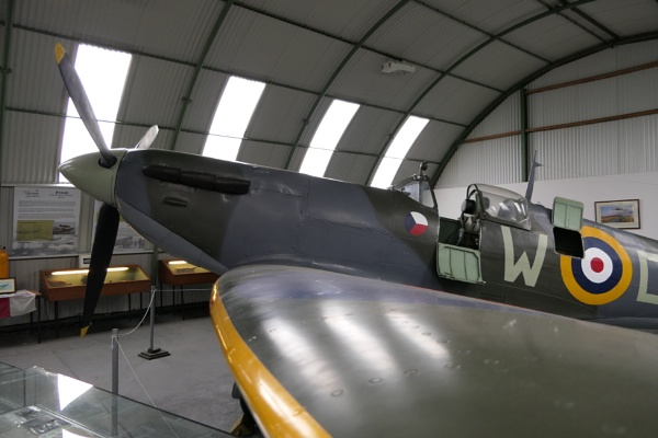 Spitfire Selfie. by Tooma