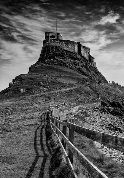 Lindisfarne castle by Briwooly