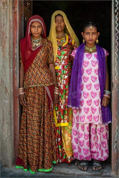 Nomadic girls by PhilScot