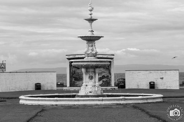 Fountain by birdtree