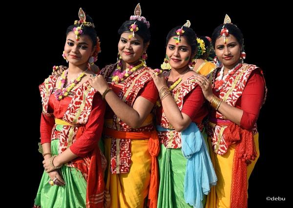 Women dancers by debu