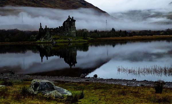 Loch Awe Kilchurn castle ,misty morning. by NeilWigan