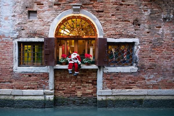 Santa.... by trusth