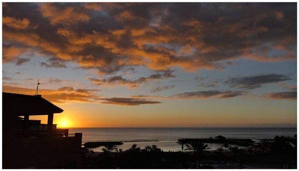 Fuertoventura Sunrise by DaveRyder