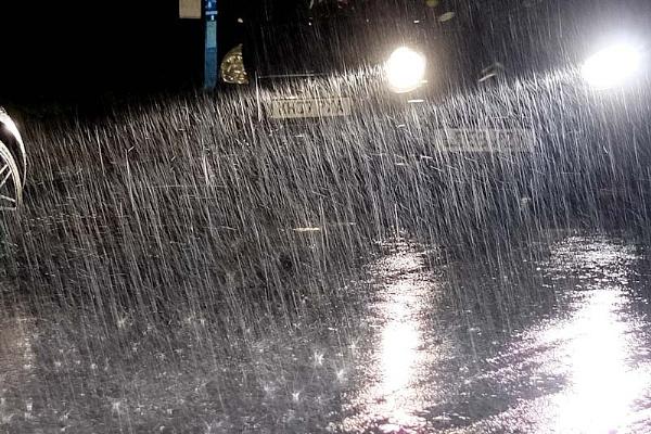 heavy rain by jeakmalt