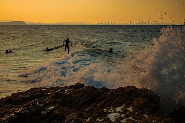 Surfers by terra